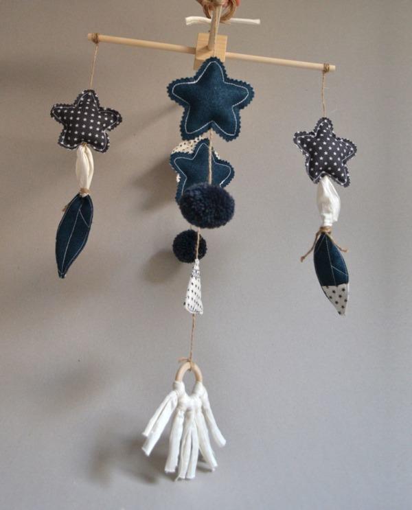 movil cuna bebe decoración azul