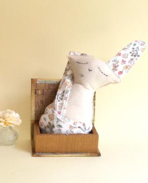 muñeco hecho a mano conejo forest
