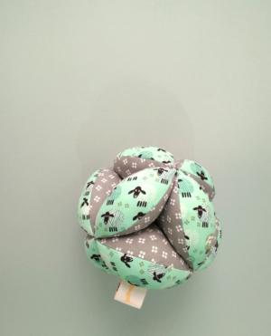 pelota montessori mint